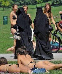 Muslima-Bikini